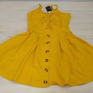 Zaful mustard yellow dress with peek-a-boo front